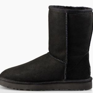UGG classic short boot in black